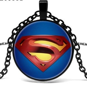 🌻🌼HP 🌻🌼Superman necklace